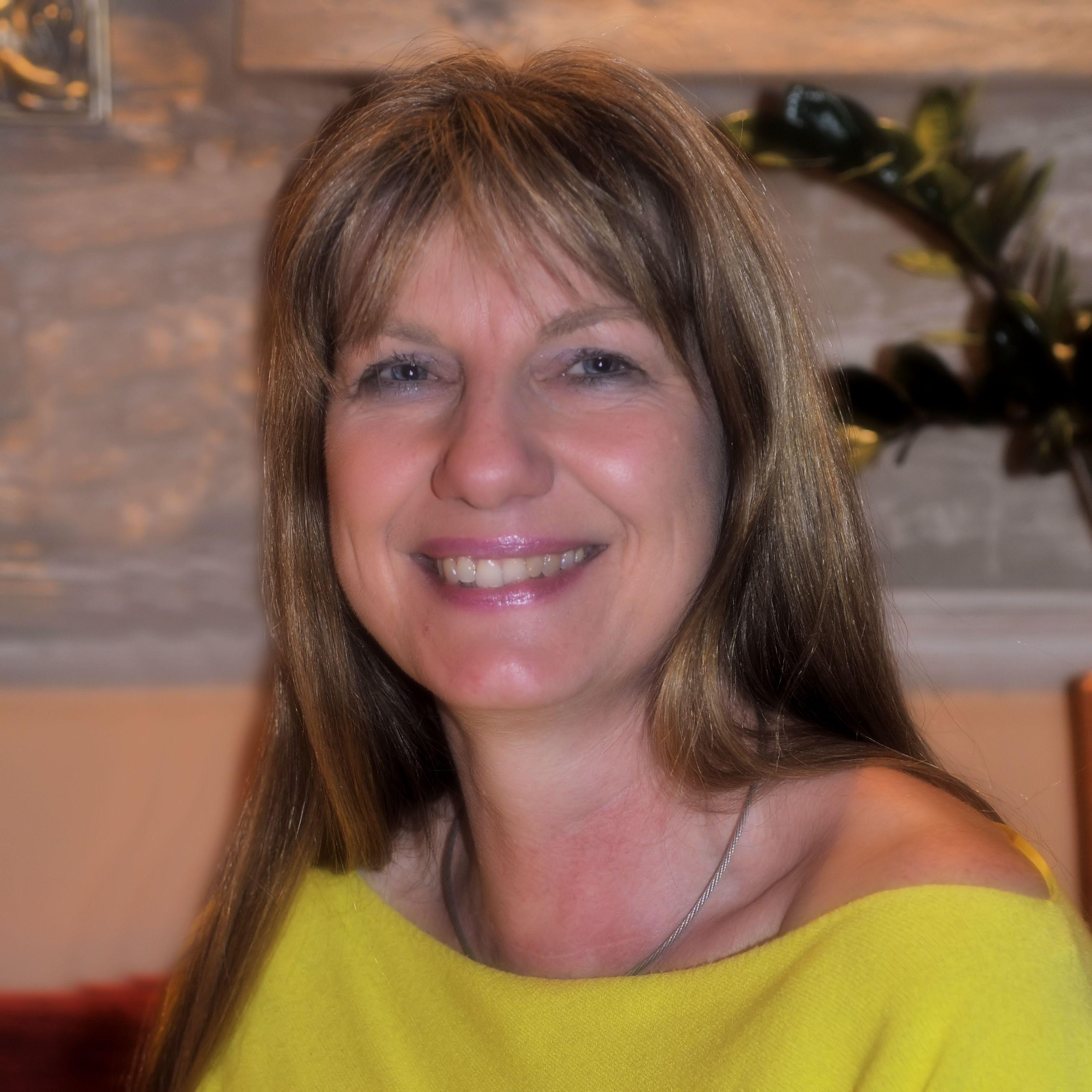 Vorsitzende><br /> Dr. Heike Thüring-Nahler